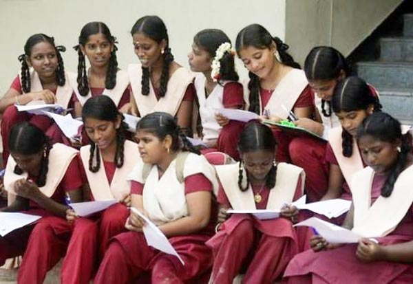 அரசு பள்ளி மாணவர்களுக்கே, பரிசு, பதக்கம், கிடைக்கும்