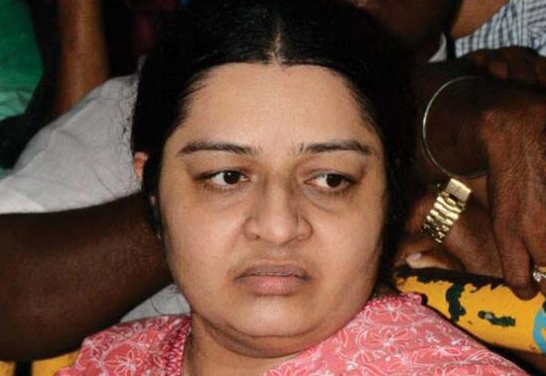 சொத்து, Property, ஜெயலலிதா கொலை, Jayalalitha Killing, விசாரணை கமிஷன், Inquiry Commission, தீபா, Deepa,சசிகலா குடும்பம், Sasikala Family,  ஜெயலலிதா அண்ணன் மகள் தீபா, Jayalalitha brother daughter Deepa,  தீபா கணவர் மாதவன்,Deepa husband Madhavan, மருத்துவமனை, hospital, ஜெயலலிதா உதவியாளர் பூங்குன்றன்,Jayalalitha assistant Poonkaran,  ராஜாம்மாள்,  Rajamal, ஆம்புலன்ஸ் டிரைவர், Ambulance Driver,