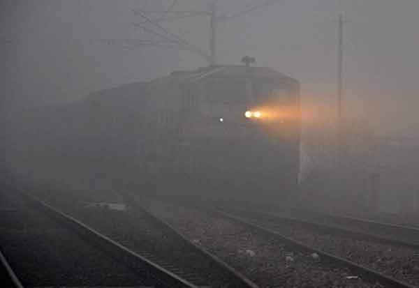 சென்னை:புகை, மூட்டம் ,காரணமாக, ரயில் சேவை, பாதிப்பு