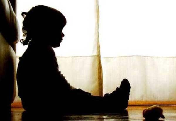 மத்திய பிரதேசம்,பள்ளி ஆசிரியை சுதா திவாரி, தத்து குழந்தை, உத்தரகாண்ட் குழந்தைகள் காப்பகம், கருங்கல்லில் தேய்த்த தாய்,  Madhya Pradesh, Uttarakhand Children Archive,  School Teacher Sudha Tiwari, adoptive child,