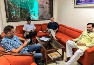 Arvind Kejriwal,Aam Aadmi Party,Governor,Kejriwal,ஆம் ஆத்மி,ஆளுநர்,கவர்னர்,கெஜ்ரிவால்,தர்ணா