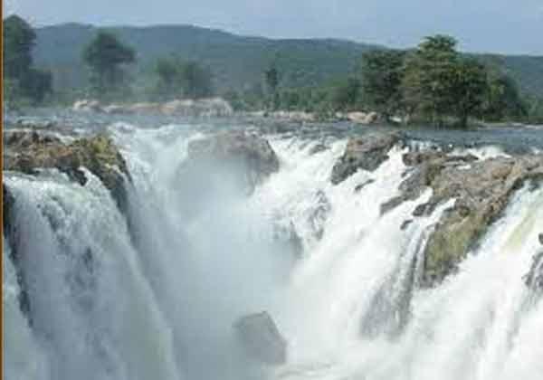 காவிரி நீர்வரத்து அதிகரிப்பு, ஒகேனக்கல், கர்நாடகா அணைகள், ஒகேனக்கல் அருவி , பரிசல் போக்குவரத்து, காவிரி ஆறு , மேட்டூர் அணை ,  Cauvery Water Raise, Hogenakkal, Karnataka Dams, Hogenakkal Waterfalls,Cauvery River, Mettur Dam,