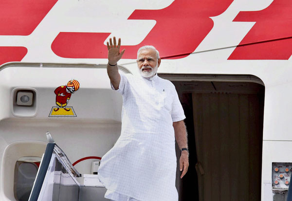 Maldives, PM Modi, Ibrahim Mohammed Soli, மாலத்தீவு, பிரதமர் மோடி,  இப்ராஹிம் முகமது சோலீ , மாலத்தீவு அதிபர் பதவியேற்பு விழா, நரேந்திர மோடி,பிரதமர் நரேந்திர மோடி, அதிபர் அப்துல்லா யாமீன்,மோடி, Maldives President swearing-in ceremony, Narendra Modi, Prime Minister Narendra Modi, President Abdullah Yameen, Modi,Prime Minister Modi,