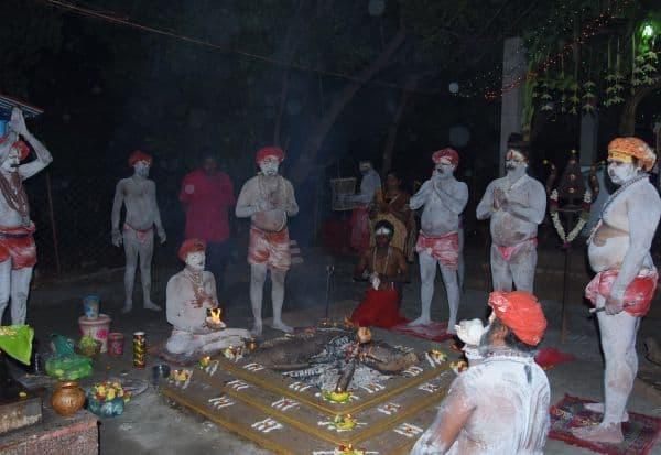 திருச்சி அருகே காளி கோவிலில் அகோரிகள் நவராத்திரி வழிபாடு