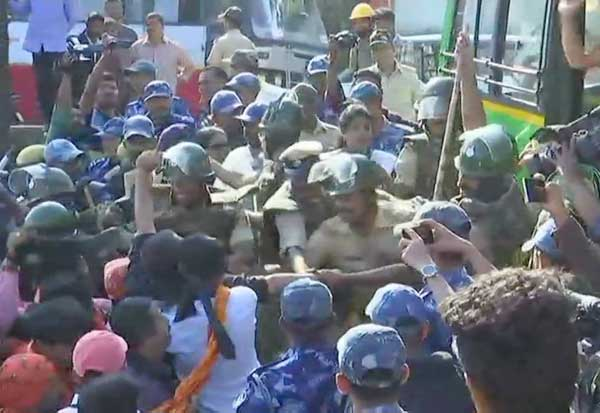 HD Kumaraswamy ,Tipu Jayanti,  Karnataka, கர்நாடகா, திப்பு ஜெயந்தி, பா.ஜ., திப்பு ஜெயந்தி போராட்டம், முதல்வர் குமாரசாமி, துணை முதல்வர் பரமேஸ்வரா,  கொடவா தேசிய கழகம், பாரதிய ஜனதா , காங்கிரஸ்,  BJP, Tipu Jayanti protest, Chief Minister Kumaraswamy, Deputy Chief Minister Parameshwara, Kodava National Council, Bharatiya Janata, Congress,
