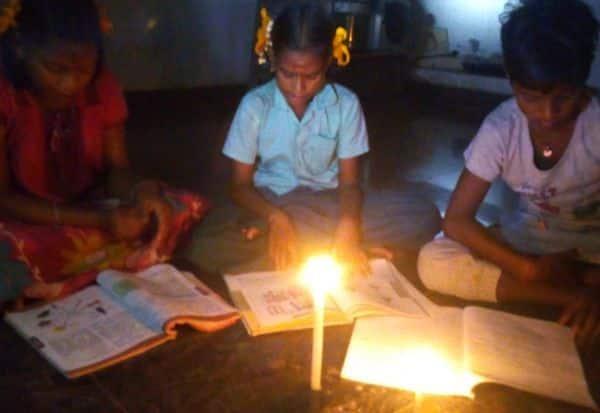 23 நாளாகியும் மின்சாரம் இல்லை தேர்வுக்கு படிக்கும் மாணவர்கள் சிரமம்