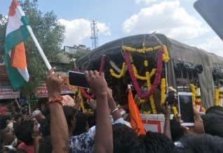 கார்குடி, சவலாப்பேரியில் மக்கள் கண்ணீர் அஞ்சலி