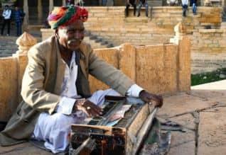 ராஜஸ்தான் தேர்தல் பிரசாரத்தில் கலகலப்பு; களை கட்டும் ...