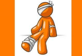 நாமக்கல்:மருத்துவமனை மேற்கூரை இடிந்து பெண் டாக்டர், ...