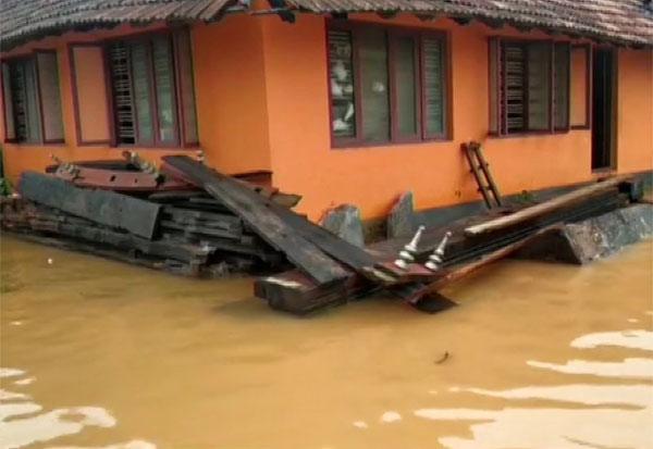 Heavy rain, Kerala, கேரளா, கனமழை, அணைகள் திறப்பு, வானிலை மையம்,