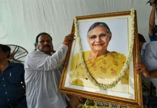 ஷீலா தீட்ஷித் உடல் தகனம்