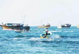 மீனவர்கள் மீது இலங்கை கடற்படை தாக்குதல்