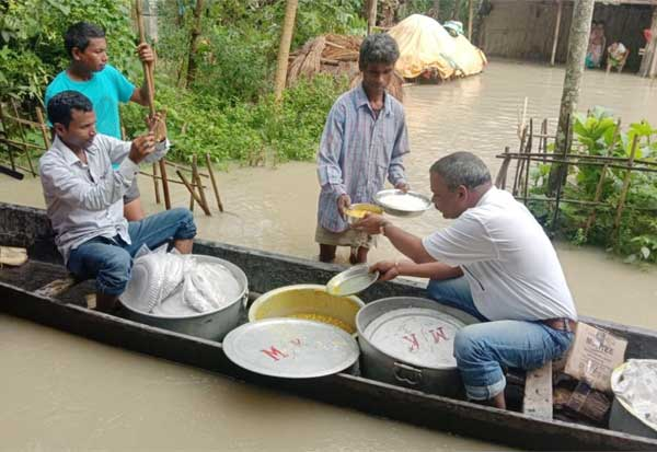 Mrinal Saikia, Free food, medicines, paddy saplings, Assam,  MLA , அசாம், எம்எல்ஏ,உணவு