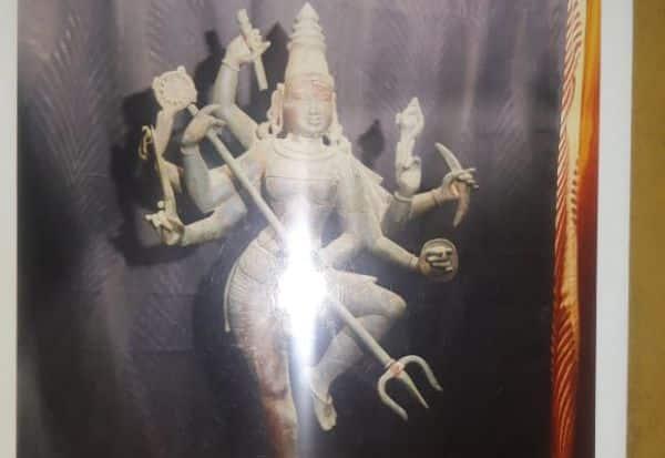 சிலை கடத்தல் வழக்கில் பெண்தொழிலதிபர் கைது