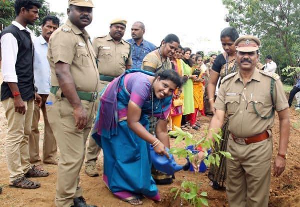 கிருஷ்ணா இன்ஜி., கல்லுாரியில்  'ஒரு மாணவருக்கு ஒரு மரம்'
