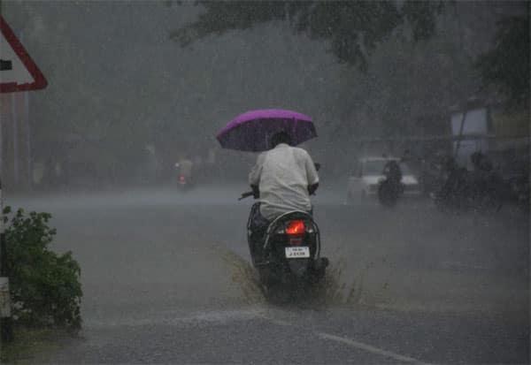 rain, kovai, coiambatore, Neelagiri, theni, chennai metrological department, heavy rain, கோவை, நீலகிரி, தேனி, கனமழை, சென்னை வானிலை மையம்,