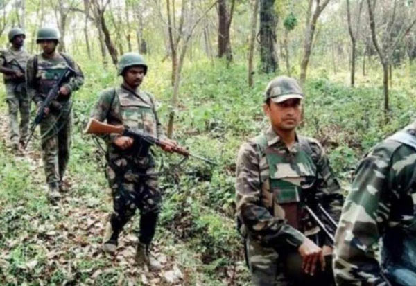 Naxals, encounter, security forces, Gadchiroli, நக்சல், என்கவுன்டர், பாதுகாப்பு படை,