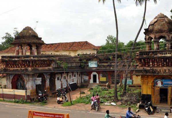 நினைவு, சின்னம், முத்தம்மாள் சத்திரம்,இரண்டாம் சரபோஜி