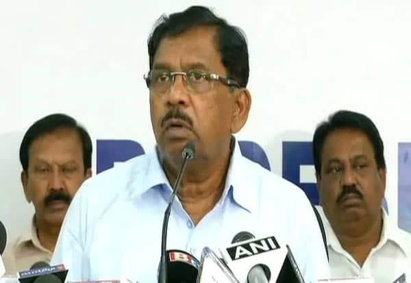 Raids,Karnataka, Congress Leader, Officials