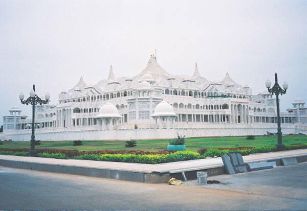 கல்கி ஆசிரமம், வருமான வரித்துறை, ரெய்டு, வரதபாளையம்
