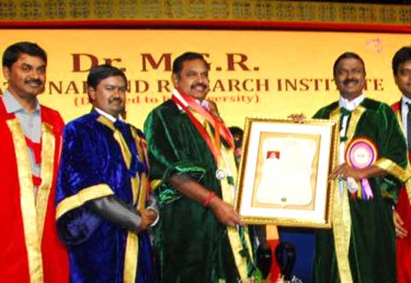 CM, CM Palanisamy, Doctor Palanisamy, Doctorate, Award, MGR, MGR University, EPS, இபிஎஸ், முதல்வர், பழனிசாமி, முதலமைச்சர், டாக்டர், டாக்டர் பழனிசாமி, எம்ஜிஆர், எம்ஜிஆர் பல்கலைக்கழகம்