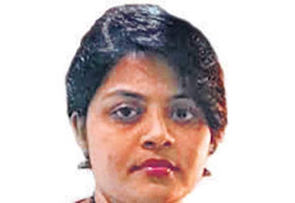 விதியை பலாத்காரத்துடன் தொடர்புபடுத்தி கருத்து: எம்.பி., மனைவிக்கு கண்டனம்