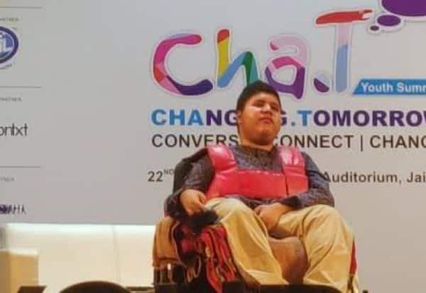 'செஸ்' விளையாட்டில் புதிய கண்டுபிடிப்பு : மாற்று திறனாளி சிறுவனுக்கு தேசிய விருது