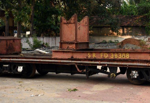 'ராஜராஜன்' கிரேனை காட்சிப்படுத்த வரலாற்று சின்னம்!