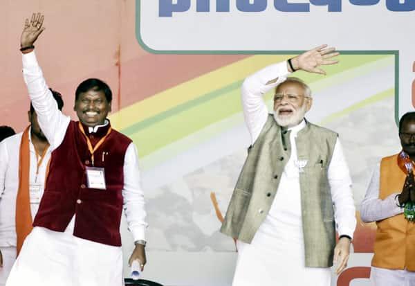 PM,Modi,பிரதமர், மோடி, காங்., கூட்டணி, கட்சிகள், பதவி வெறி, அலைகின்றன