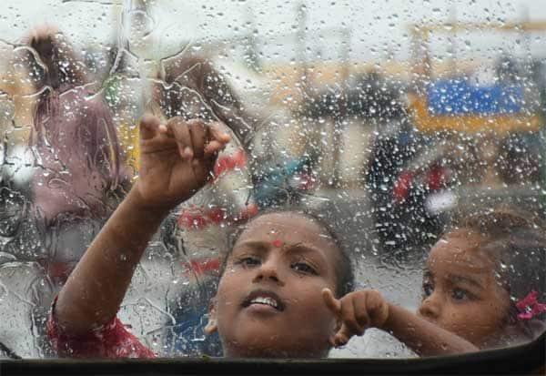 school,leave,rain,பள்ளி,விடுமுறை