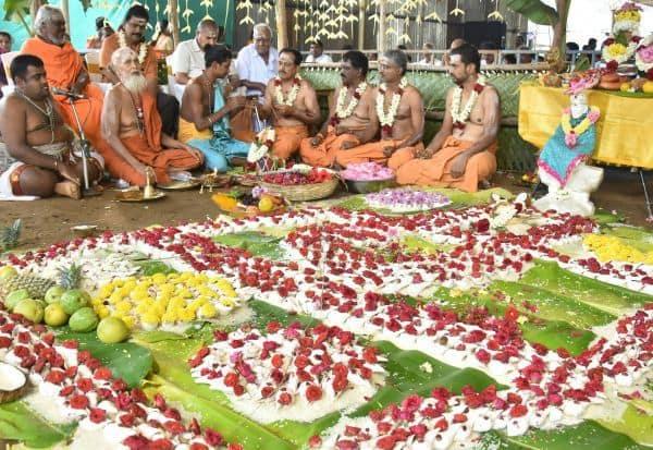 1,008 சங்காபிேஷகம் பக்தர்கள் பரவசம்: ஷீரடி ஸ்ரீசாய்பாபா கோவிலில் கோலாகலம்