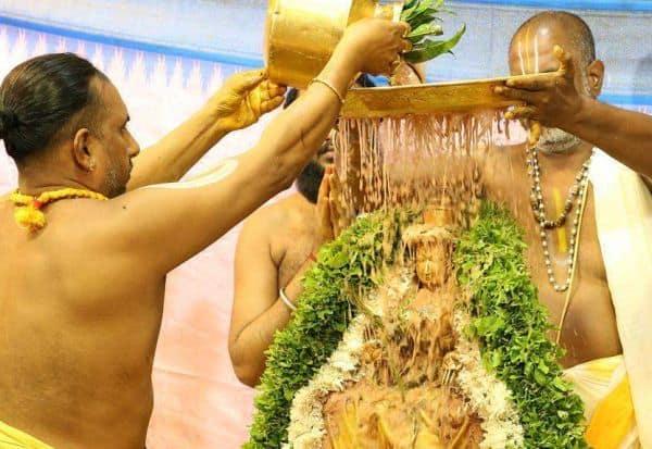 5 டன் மலர்களால் தாயாருக்கு வருடாந்திர புஷ்பயாகம்