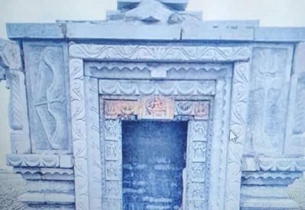 12 மணிநேரத்தில் கோயில் கட்டி சாதனை