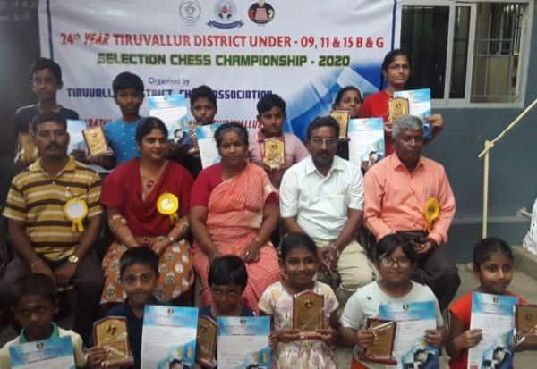 ஹர்ஷித், வார்னிகா மாவட்ட சதுரங்க போட்டியில் முதலிடம்