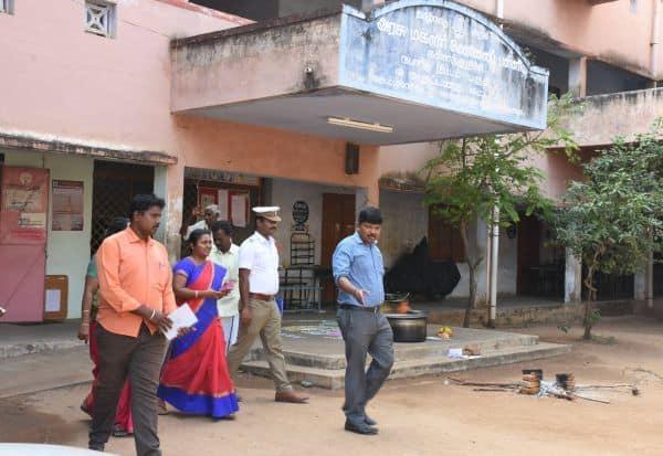 சாலையோர டிரான்ஸ்பார்மர் கலெக்டர், சப் கலெக்டர் ஆய்வு