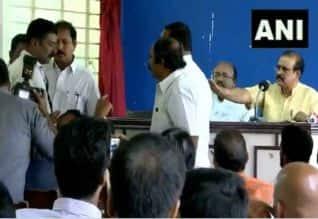 மாஜி டிஜிபி.,யை கேள்வி கேட்ட நிருபர் மீது தாக்குதல்