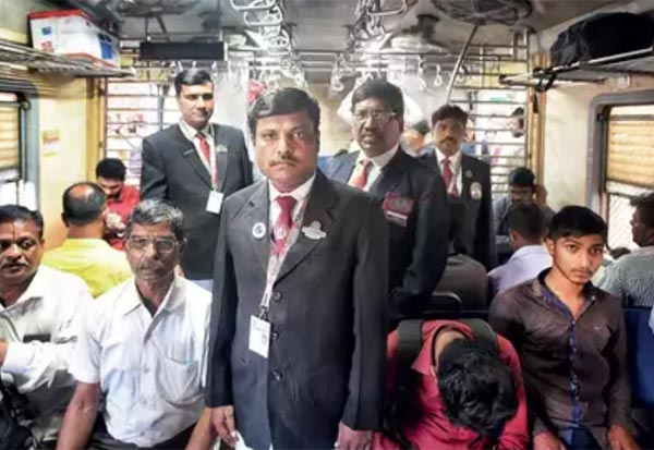 Ticket_checkers,CentralRailway,fines,TC,record,collection, ரயில்வே, டிக்கெட், அபராதம், வசூல்