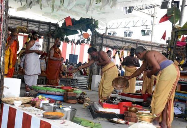 ஞானபுரீ ஆஞ்சநேயர் கோவிலில் 6ம் கால யாகசாலை பூஜைகள்