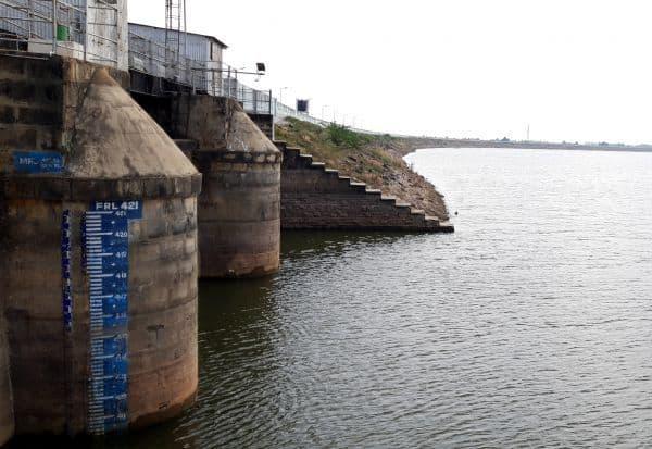 மணிமுக்தா அணையின் நீர்மட்டம் குறைந்தது