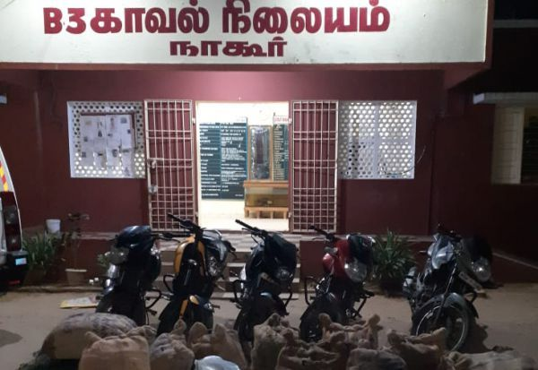 7,000 லிட்டர் சாராயம் நாகை அருகே பறிமுதல்