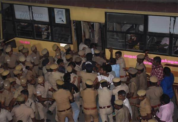 CAA,anti_CAA_protest,chennai,lathicharge,சிஏஏ, சென்னை, தடியடி, போராட்டம், போலீஸ்கமிஷனர்