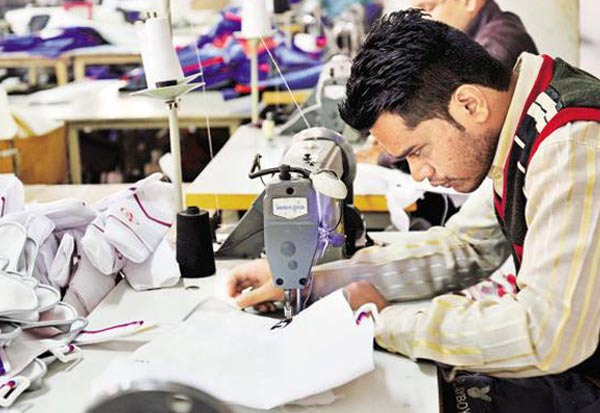 Thirupur, Textiles, Readymade, crore, Corona, Employee, Conference, decision, திருப்பூர், பின்னலாடை, தொழிலாளர்கள், பாதிப்பு, மாநாடு, வர்த்தகம், தேக்கம், கொரோனா