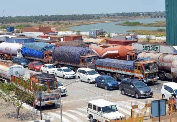CoronaVirus, District, Lockdown, Chennai, Erode,CM, Palanisamy, EPS, கொரோனா வைரஸ், மாவட்டஎல்லைகள், மூடல், முதல்வர், இபிஎஸ், பழனிசாமி, ஆலோசனை