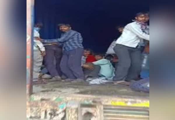 LockDown, MigrantWorkers, ContainerTruck, Maharashtra,  கன்டெய்னர், 300பேர், பதுங்கல், மஹாராஷ்டிரா, தெலுங்கானா, ராஜஸ்தான்