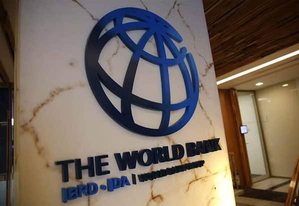வறுமையில் சிக்கும் 1.1 கோடி பேர்: உலக வங்கி அதிர்ச்சி