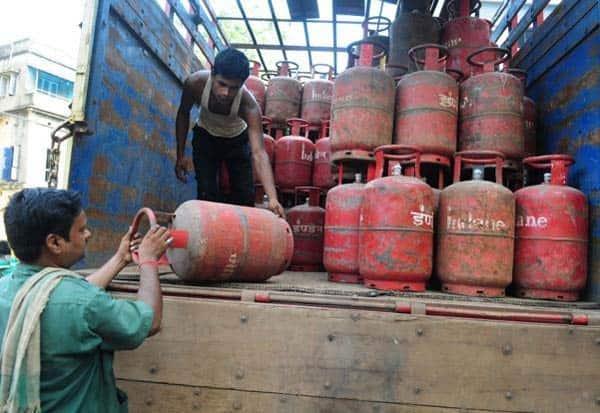 Tamil Nadu, gas cylinder, tn news update, coronavirus, covid 19, corona news, cooking gas, மார்ச், காஸ், சிலிண்டர், வினியோகம்