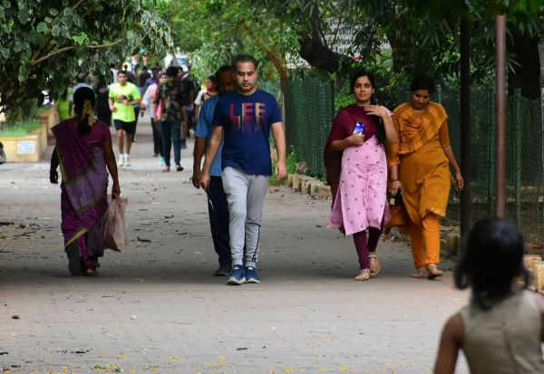 போதும்டா சாமி! ஏனோ சிலர் 'மாஸ்க்' அணிவதில்லை: மீண்டும் வேண்டாமே தொல்லை!