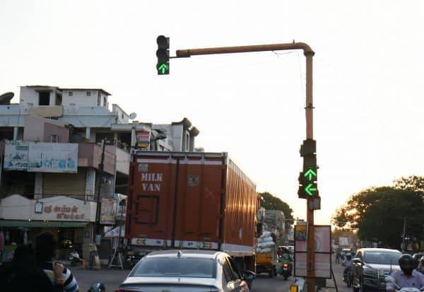 ரோடுகளில் 'சிக்னல்' மீண்டும் இயக்கம்: 'தினமலர்' செய்தி எதிரொலி