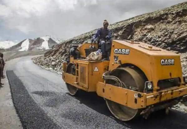 India, emergency airstrip, south Kashmir, standoff, China, ladakh, border dispute,  சீன, காஷ்மீரில் அவசர கால விமானப்படை தளம்