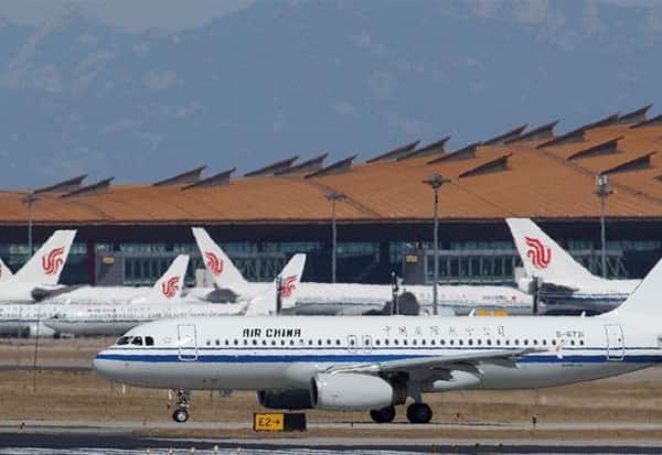 விமானசேவை, பீஜிங், சீனா, அமெரிக்கா, மிரட்டல், பணிவு, China, America, airlines, US, foreign airlines, Trump administration, Civil Aviation Administration of China, passengers, U.S. airlines, coronavirus,  Hong Kong